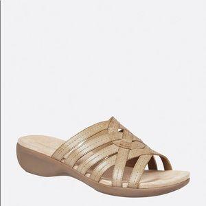 Avenue Cloudwalkers sandals size 9 1/2
